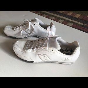 New balance 442 active shoe